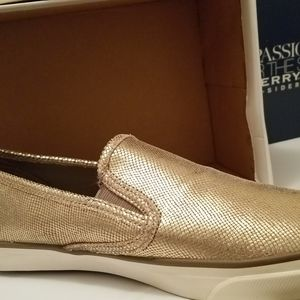 Sperry Off Bronze Sneakers- NIB- Womans'  size 11M
